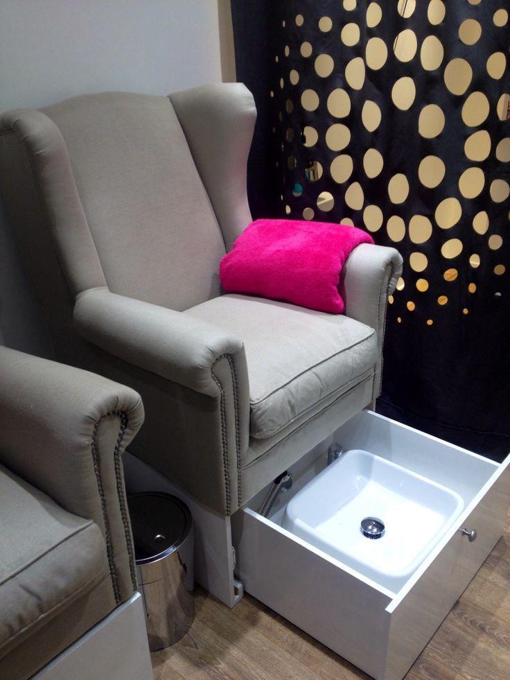 Resultado de imagem para mesas de manicure e pedicure for Salon de pedicure