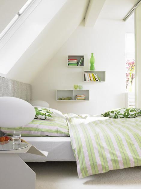 Schlafzimmer Modern Mit Schräge Stock in 2020 Green room