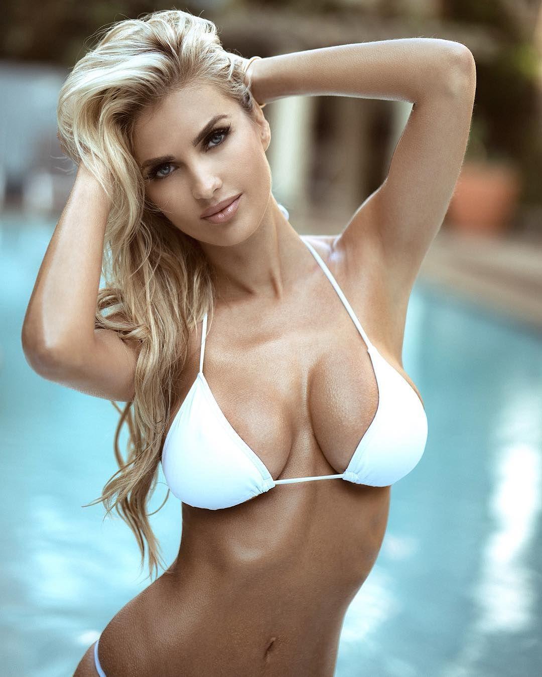 Nude Tits Model