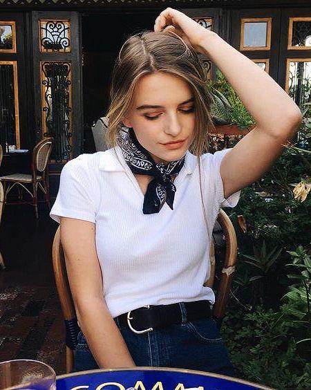 Pinterest   valriadamsio Instagram  valeria damasioo Bandana Outfit,  Bandana Girl, Bandana Top, 50bfd9c46fd