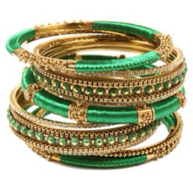 Amrita Singh green bangles