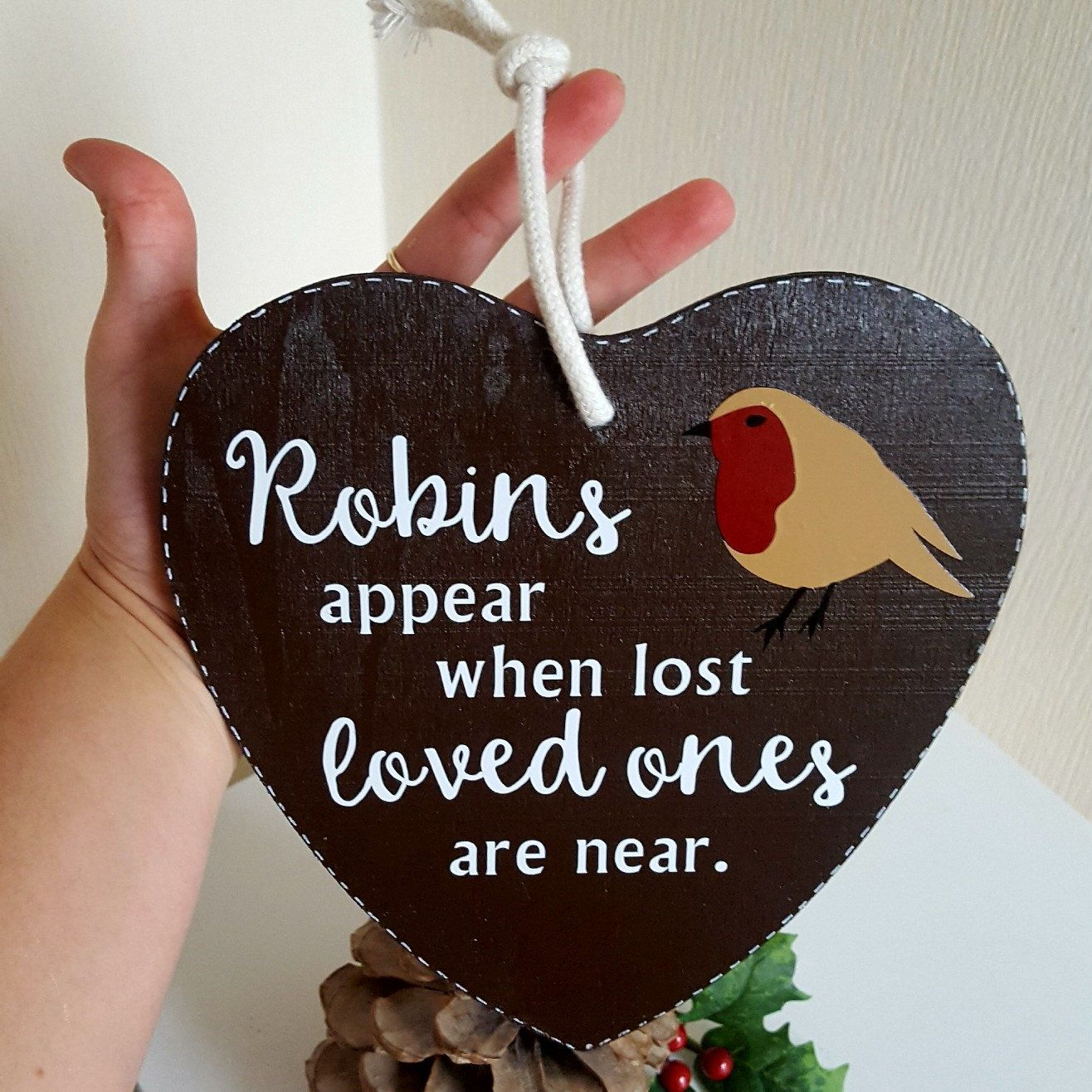 ROBINS APPEAR WHEN LOST LOVED ONES ARE NEAR-WOOD HEART XMAS TREE//CHRISTMAS GIFT