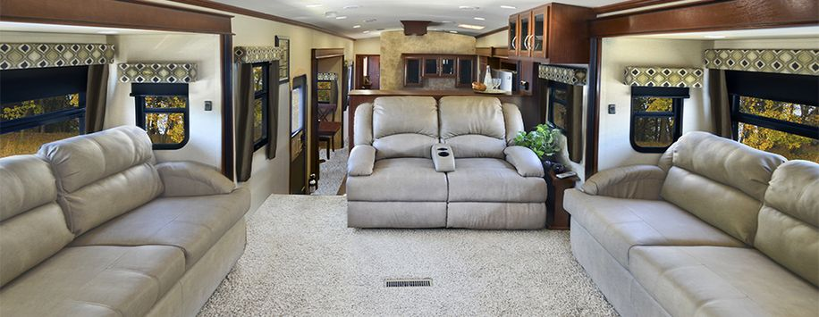 The 379fl Front Lounge Area Is Incredibly Spacious Rv Living Lounge Areas Floor Plans #rv #with #front #living #room