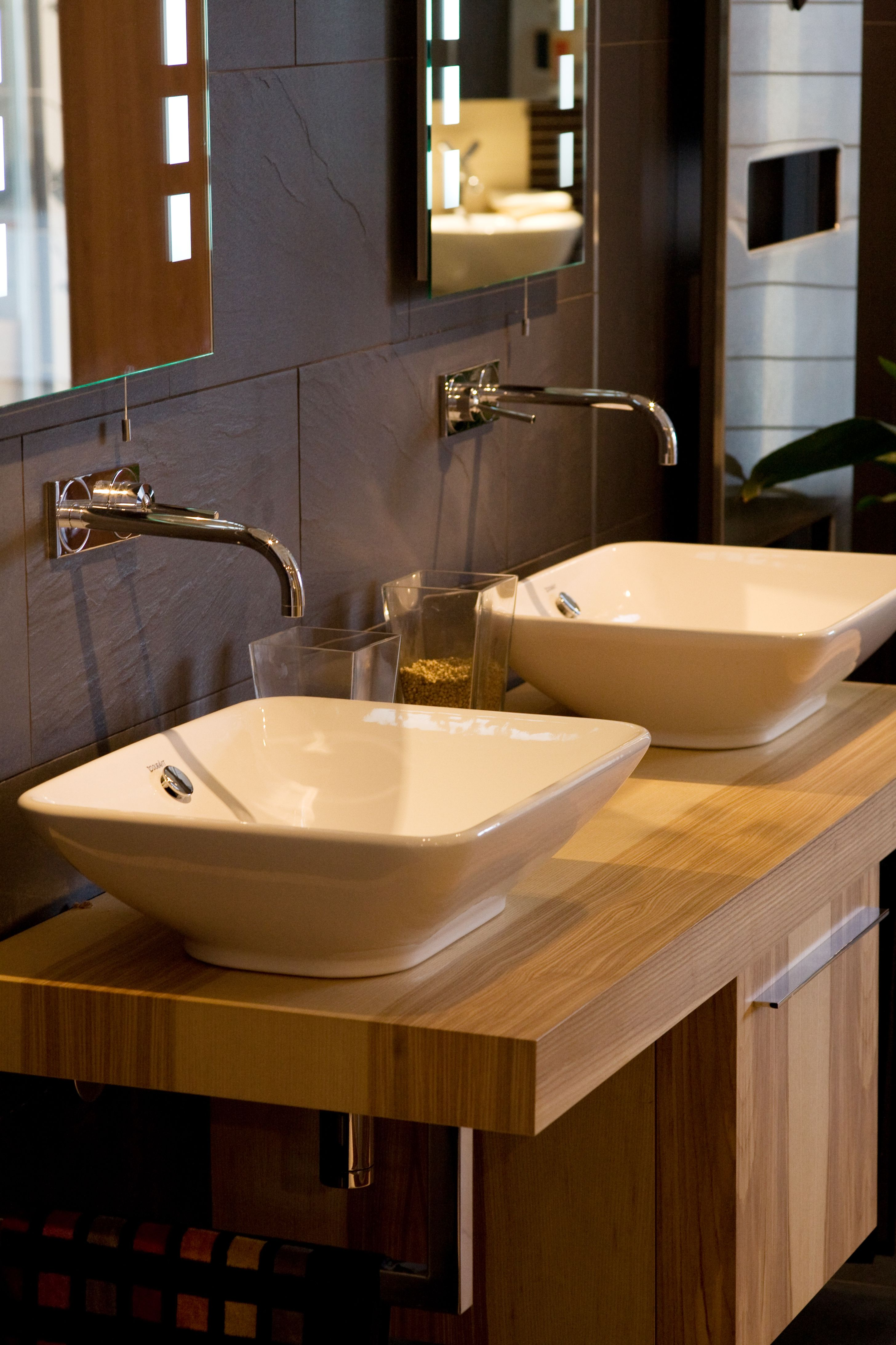duravit fogo ash olive bacino basins formerly on display. Black Bedroom Furniture Sets. Home Design Ideas