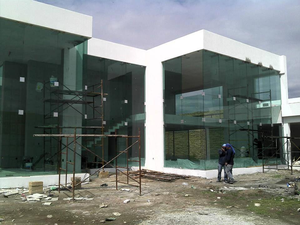 Fachadas en vidrio templado buscar con google vidrios for Fachada de casas modernas con vidrio