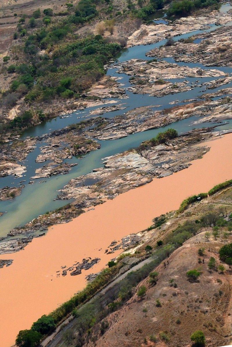 Entre o luto e a saudade: um panorama do maior desastre ambiental do Brasil — JORNALISTAS LIVRES — Medium