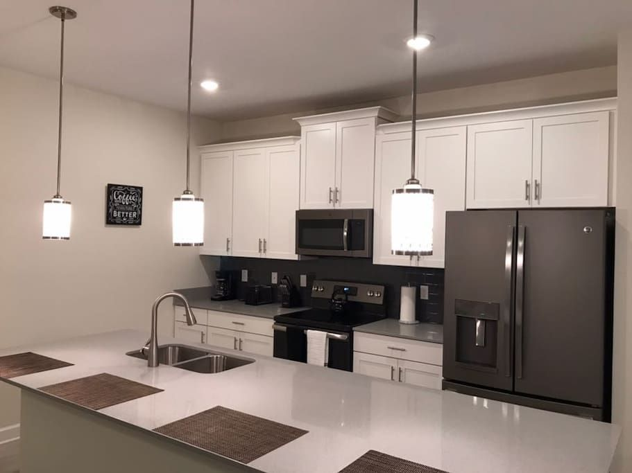 Entire Home Apt In Kissimmee United States Community Storey Lake 4 Bedrooms 3 Bathrooms Sleeps 9 Disney 7 M Townhouse For Rent Kissimmee Kissimmee Fl