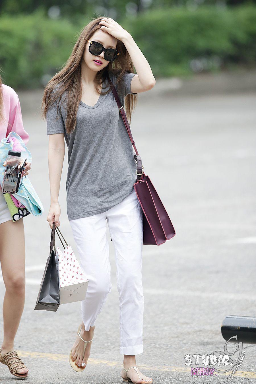 Apink Naeun Casual comfy style