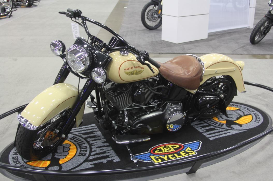 A 2008 Harley-Davidson Softail is transformed into customized, pin striped perfection. | Dallas IMS Ultimate Bike Builder, 3rd Place MOD Harley Class: Jeff Halsted