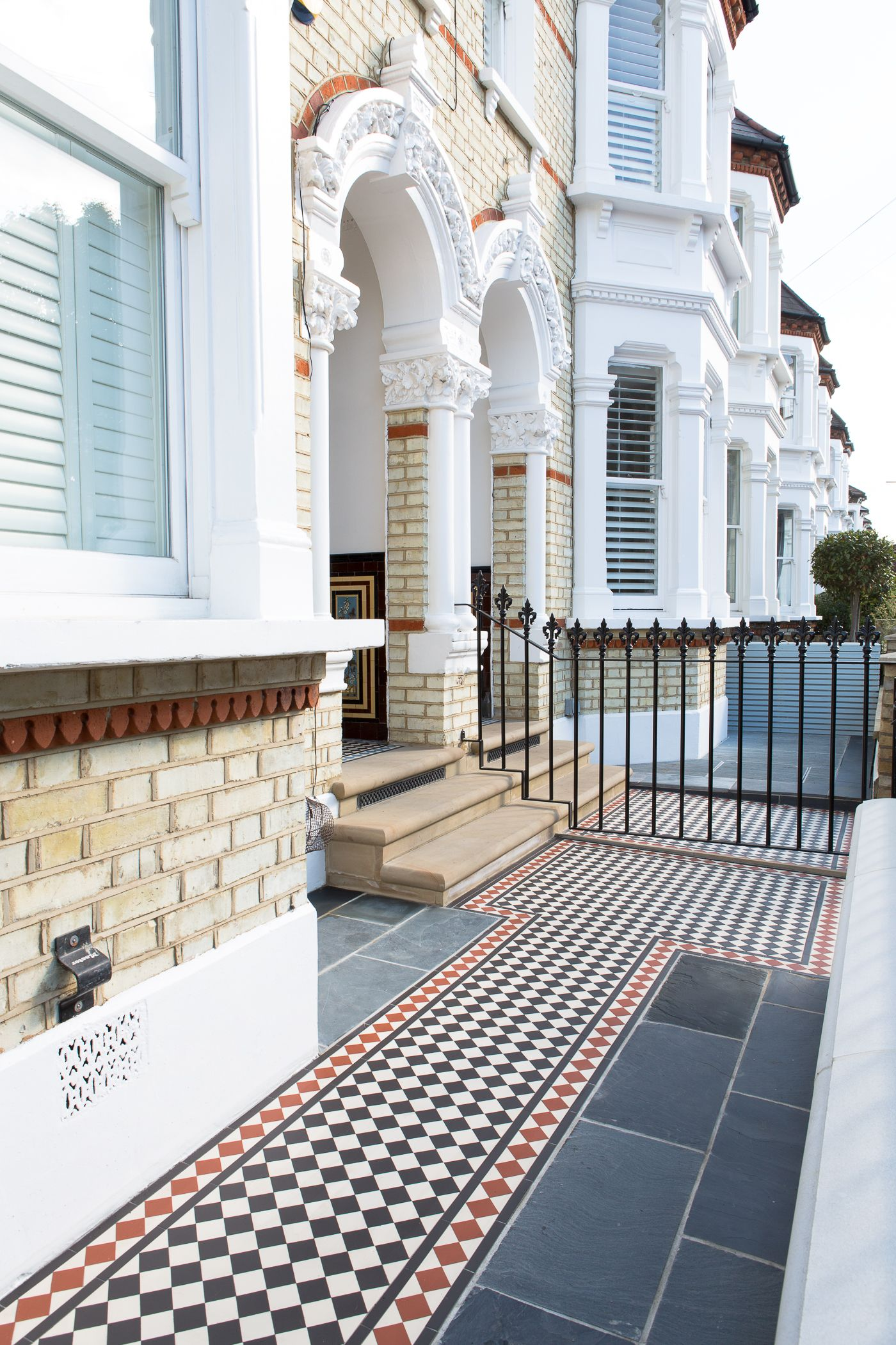 Paving and period style, mosaic path in London front garden. | Path ...
