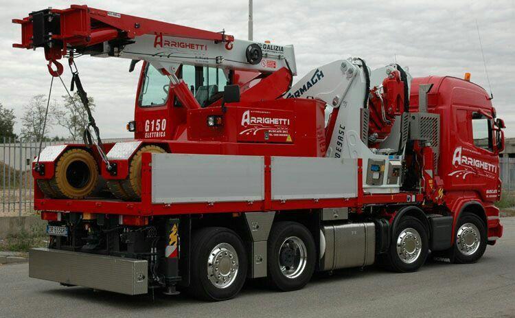 Scania. Zwaar autokraan speciaaltransport.
