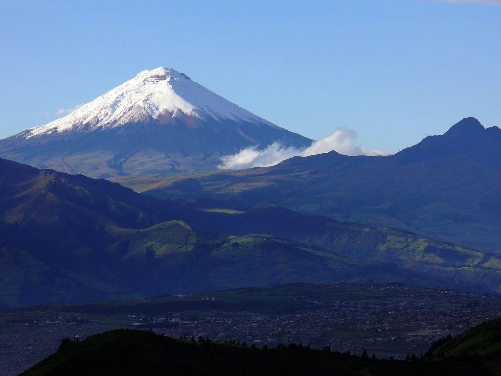 Cotopaxi at dawn. Volcán Cotopaxi