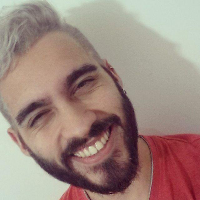 """75 Me gusta, 4 comentarios - Leonel Fabricio (@leosgotagun) en Instagram: """"#GreyHair Gracias @nahugazza 💚"""""""