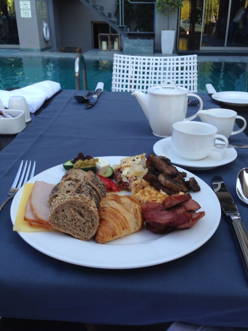 Breakfast buffet at Samaria