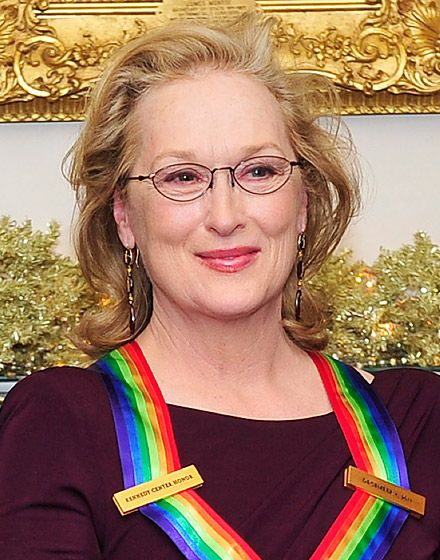 Meryl Streep (Democrat) Over the years, Streep hasn't shied away from criticizing right-wing politicians and pundits. In June, she paid approximately $40,000 to attend an Obama fundraiser hosted by Sarah Jessica Parker and Matthew Broderick.   Read more: http://www.usmagazine.com/celebrity-news/pictures/celebrities-political-affiliations-20122210/25633#ixzz2YyilhgRC