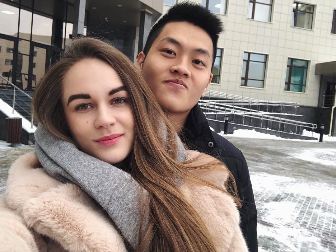 coreean guy dating girl white