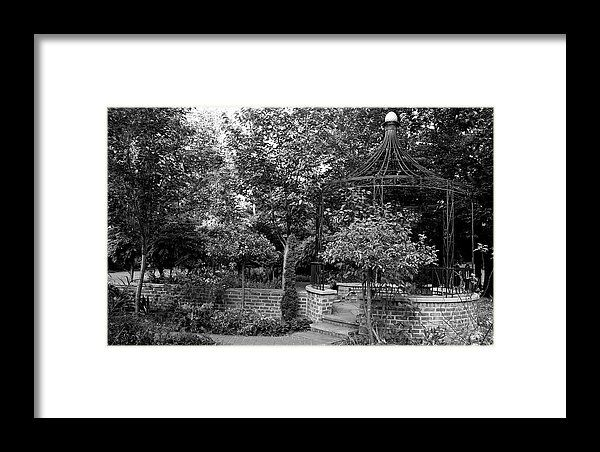 Wildwood park toledo ohio landscape gazebo black and white michiale