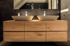 Badkamermeubel Met Kommen : Badkamer met houten kast en kommen home badmoebel