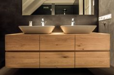 Badkamermeubel Met Kommen : Badkamer met houten kast en kommen home w
