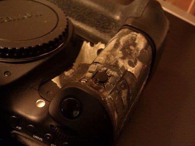 Canon grip 2 by ClayYoung, via Flickr