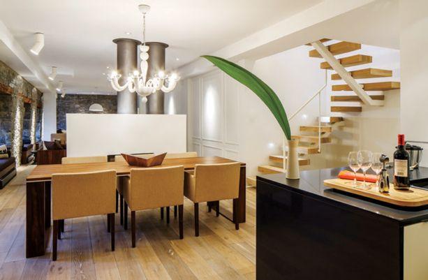 Rénovation loft design à lu0027italienne aux Jardins du0027Youville, dans le - table salle a manger loft