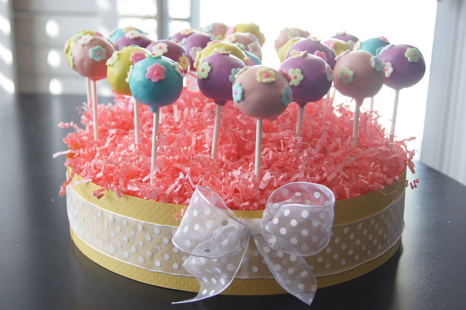 Cake pop ideas kept it simple with pastel colored pops with cake pop ideas kept it simple with pastel colored pops with flower shaped icing izmirmasajfo