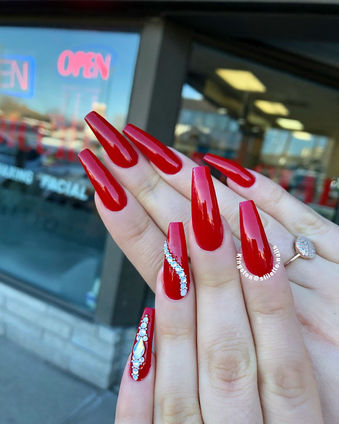 Haven T Do Red Nails For Long Time Long Red Nails Red Nails