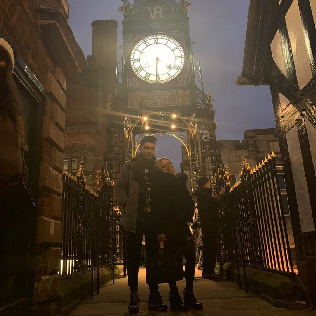 Ma sei la luce ancora oggi in questi tempi bui. ❤️👑 - - - #Me #My #Girl #Love #Beautiful #LoveYou #Relax #Chester #Clock #England #Travel #Time #Amore #Mia #Frasi #GoodTime #Photo #Happy #Night #Sky #Cute #Cit #Sleepy #GoLook #oldtown