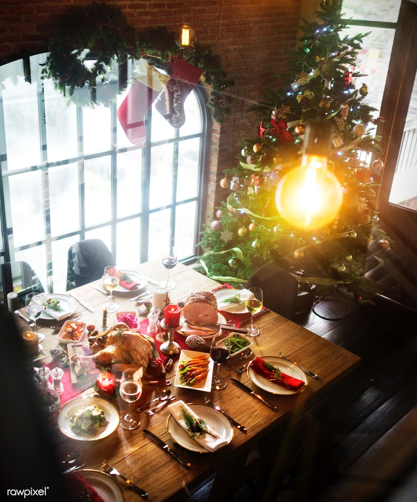 Christmas Dinner Party.Download Premium Image Of Christmas Dinner Party 52830