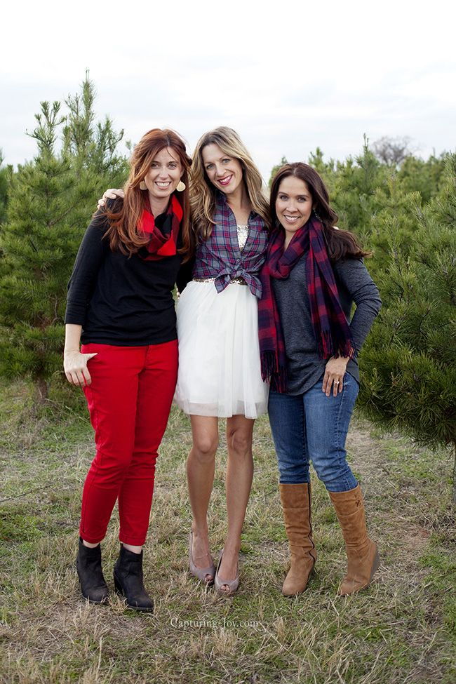Photographer Friends Farm Family Pictures Family Photo Outfits Winter Family Photos