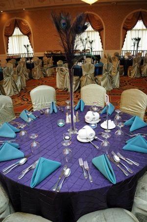 12-gorgeous-eiffel-tower-vase-peacock-centerpieces1-Large-Parfait-vase-peacock-centerpiece