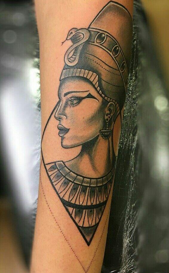 nefertiti tattoo tattoo tattoo tatouage tatouage egypte et symbole tatouage. Black Bedroom Furniture Sets. Home Design Ideas