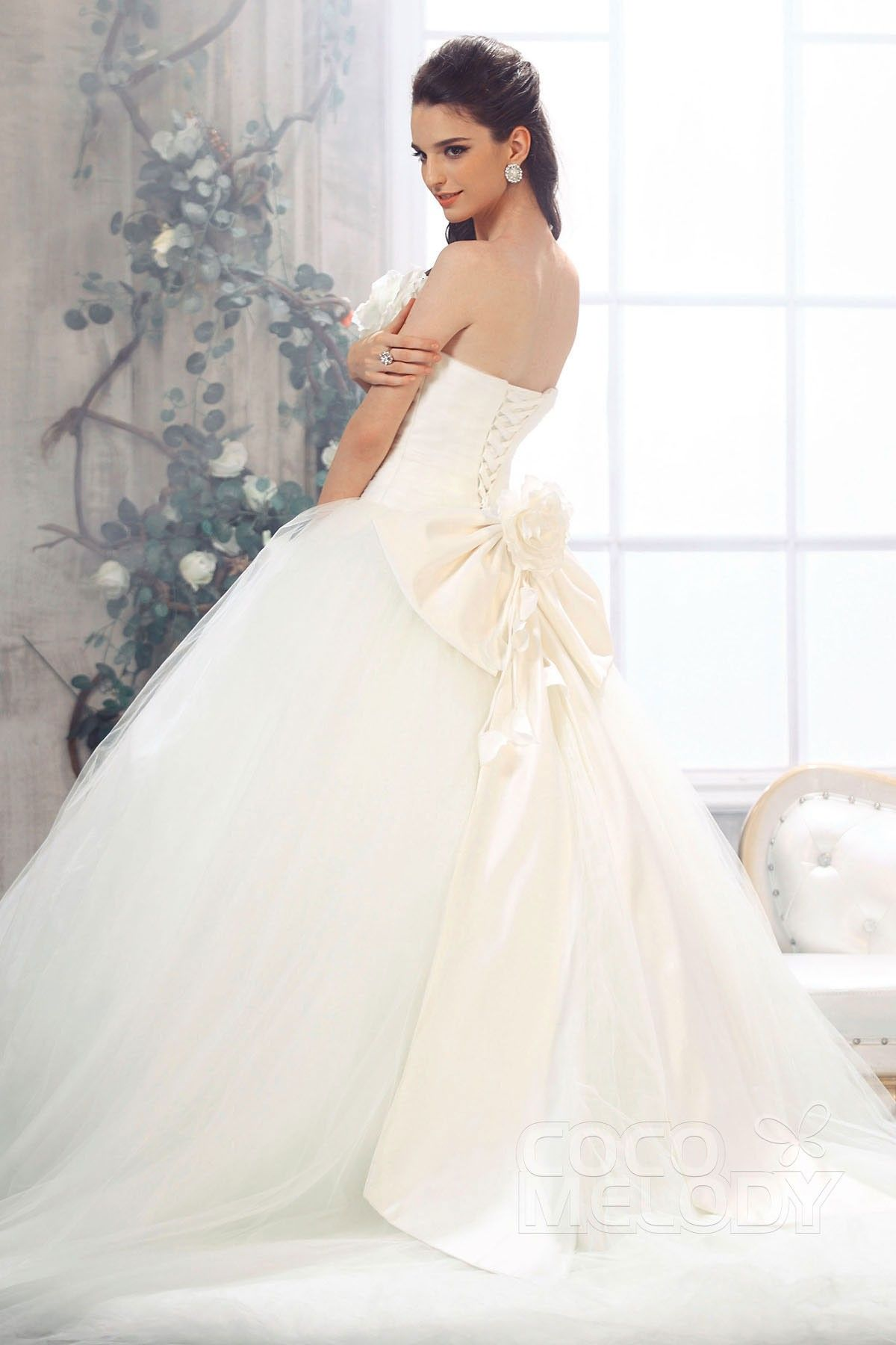 Charming Ball Gown Strapless Chapel Train Tulle Ivory