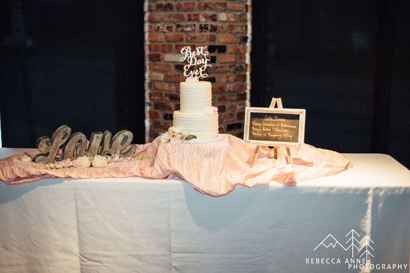 Historic 1625 Wedding // Jenna & Mark - Tacoma Seattle Wedding Photographer