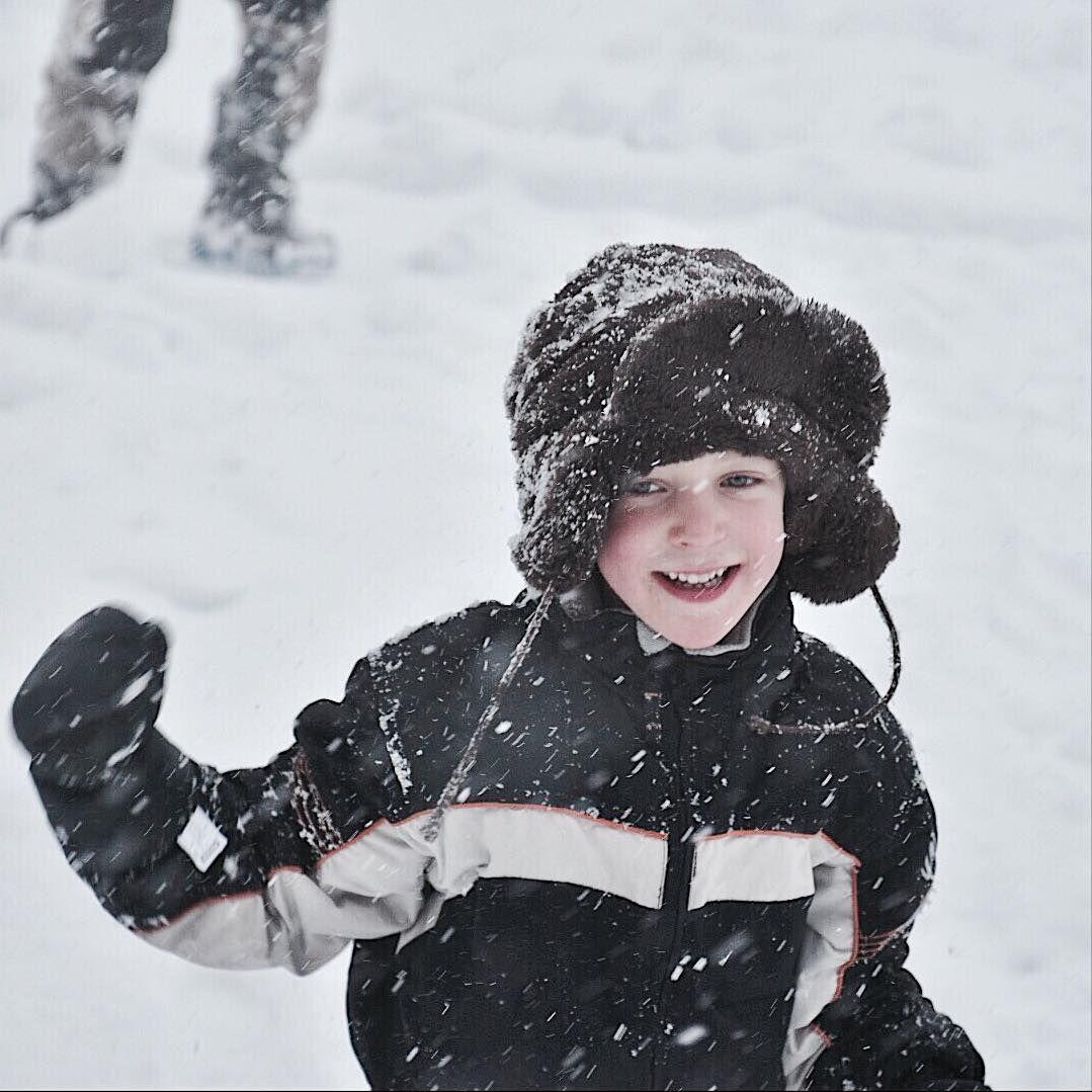"""Choufleurlajolie on Instagram: """"Petit bonheur du jour 3/01/18 la joie de Mirko Choux dans la tempête de neige #bonheurdeschoux2018 #pierreetvacances #makemyday #avoriaz…"""" • Instagram"""