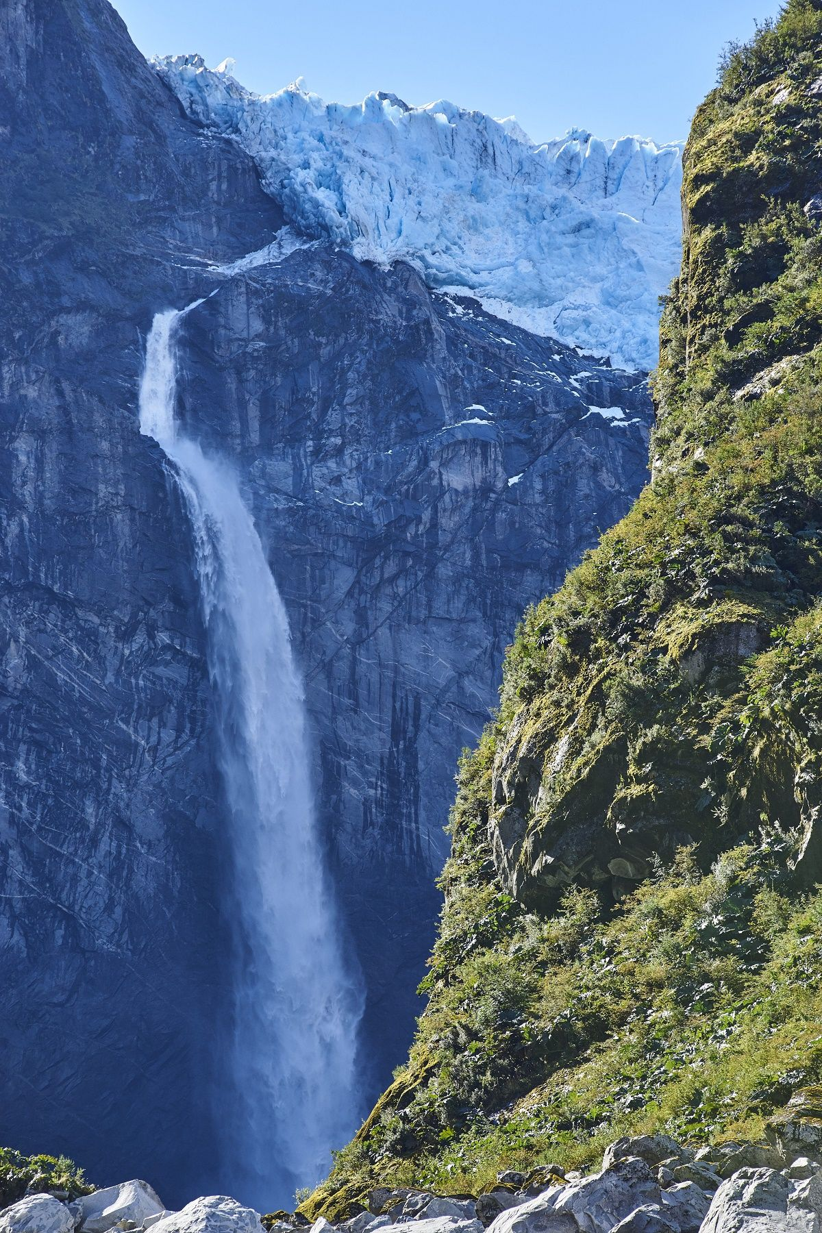 Discover the stunning natural landscapes of Chilean Patagonia for