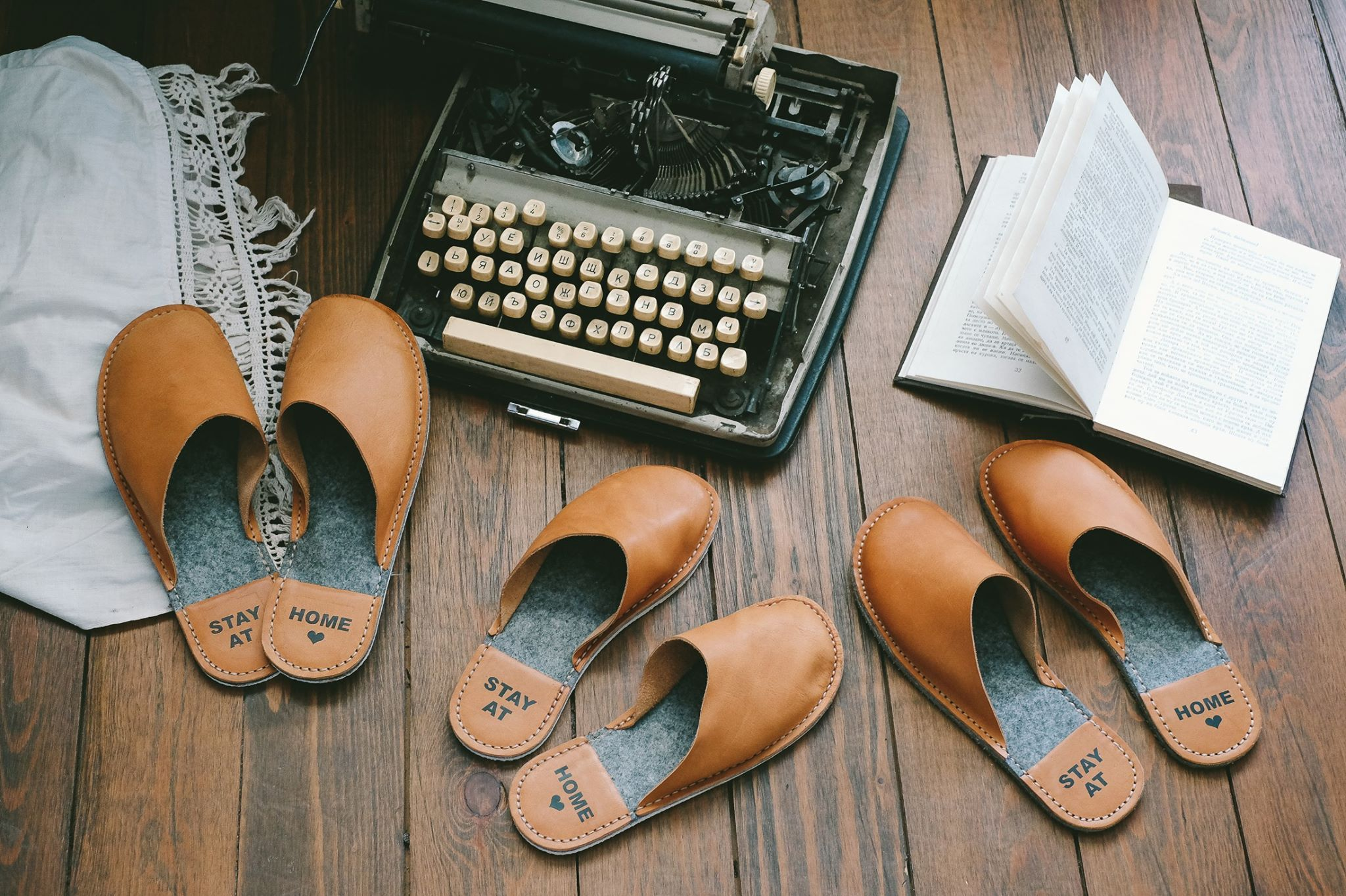 Sustainable leather home slippers #stayathome