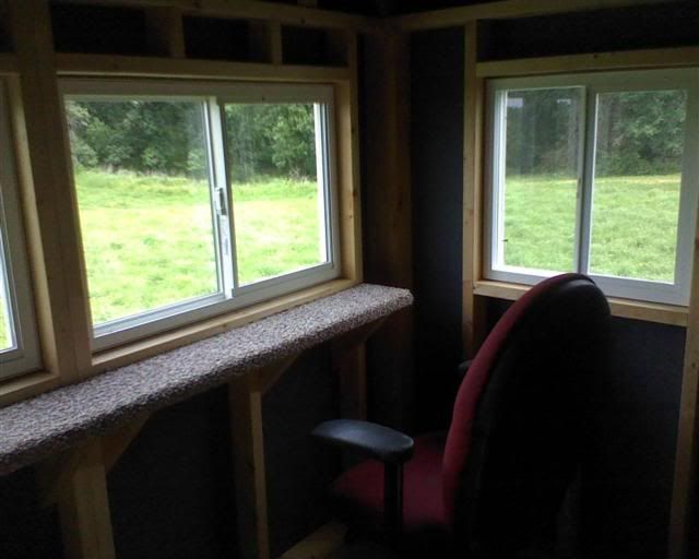 Deer stand interior pinteres for Inside deer blind ideas