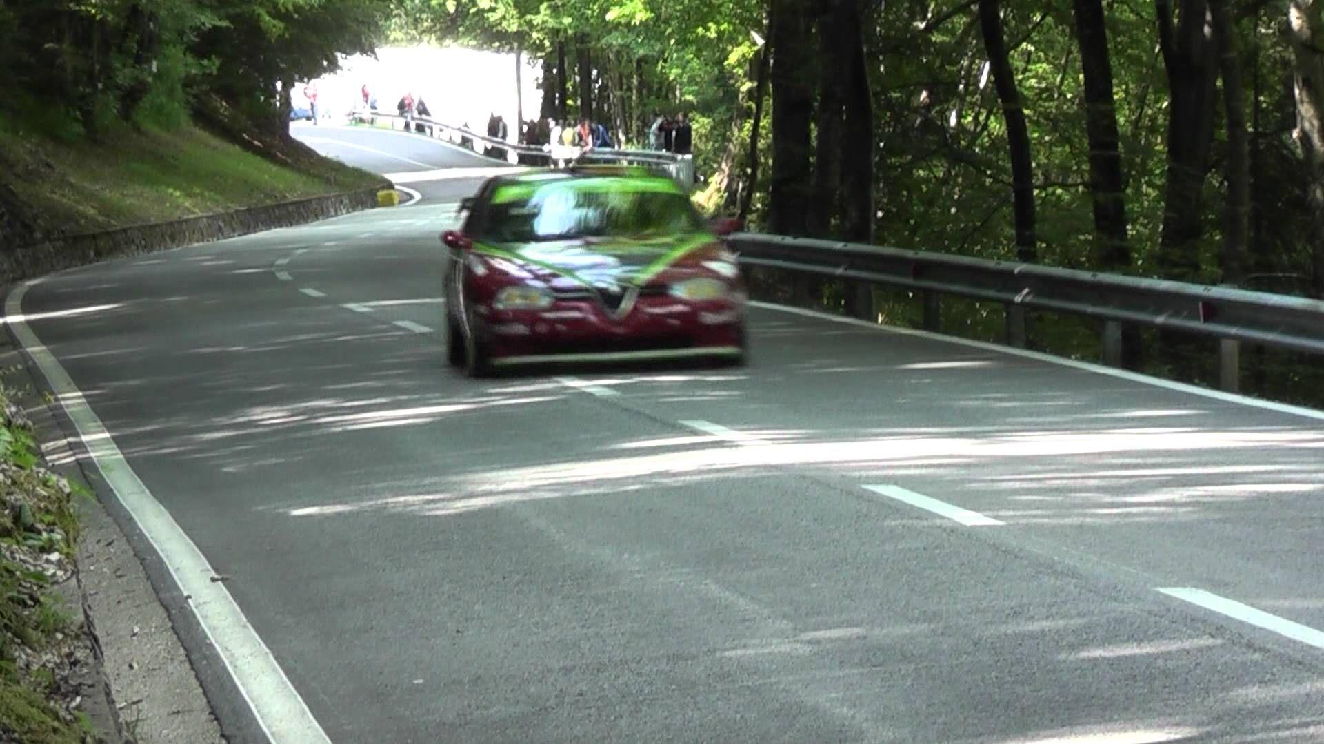 Autos und Fahrer in diesem Video: Claudio Giobbi – Alfa Romeo 156 GTA -00:10 Diethard Sternad – Alfa Romeo 156 STW -02:03 Marco Gramenzi – Alfa Romeo 155 ITC -03:48 Roberto Di Giuseppe – Alfa Romeo 155 GTA -05:31 Schöne Autos und schöner Sound..