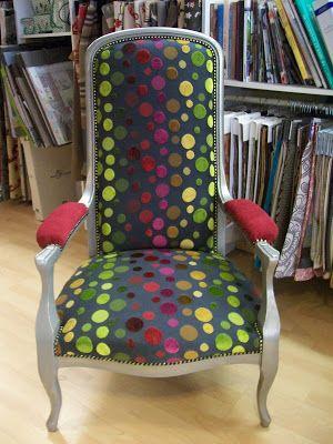 l 39 fauteuil voltaire tissu chan e relooking chaise fauteuil pinterest. Black Bedroom Furniture Sets. Home Design Ideas