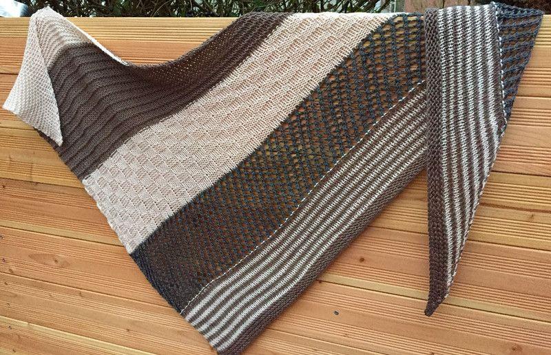 dreieckst cher dreieckstuch roselholz gestrickt ein designerst ck von filafil bei dawanda. Black Bedroom Furniture Sets. Home Design Ideas