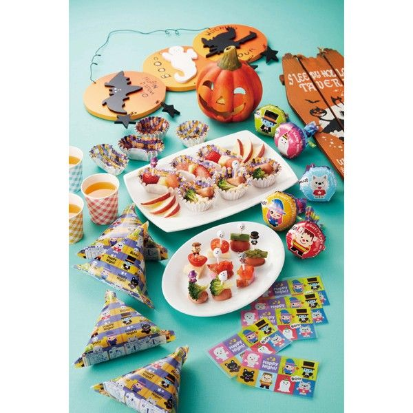 8 pieces of obake food picks, great for Halloween theme. This food pick set includes 4 ghost picks, and witch, vampire, and more. Very cute.