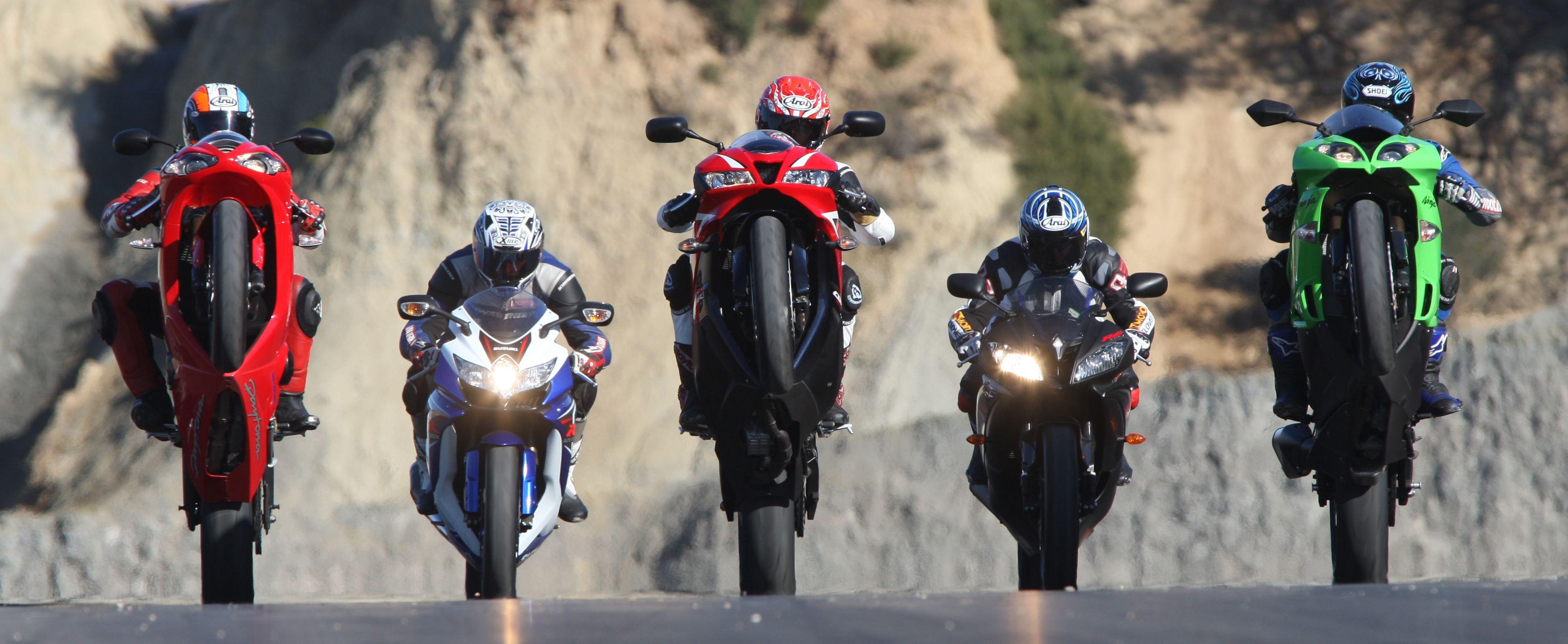 Five Super Sport bikes racing on Calafat's sunbaked