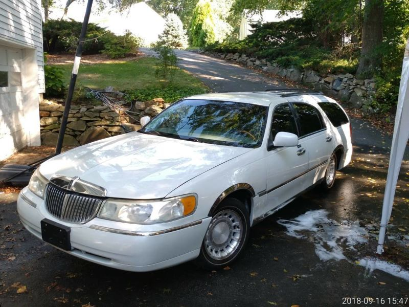 2000 Lincoln Continental Town Car Station Wagon