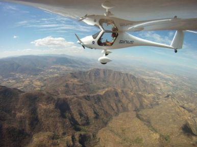 ¡Vuelo espectacular en planeador sobre montañas a mínimo 8.000 pies con Aerodynamic de México!