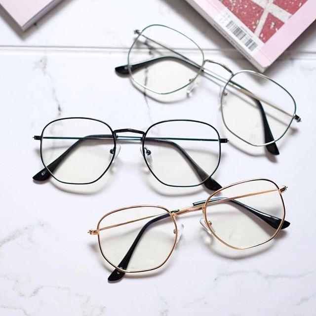Pin De Auri Souza Em Tendencias De Oculos Em 2020 Armacao De