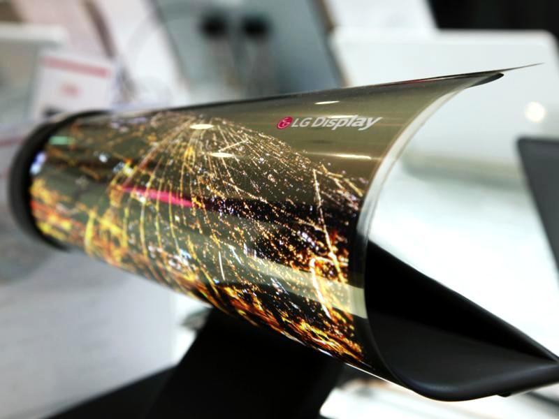Das biegbare Display von LG wird auf der CES in Las Vegas zu sehen sein.