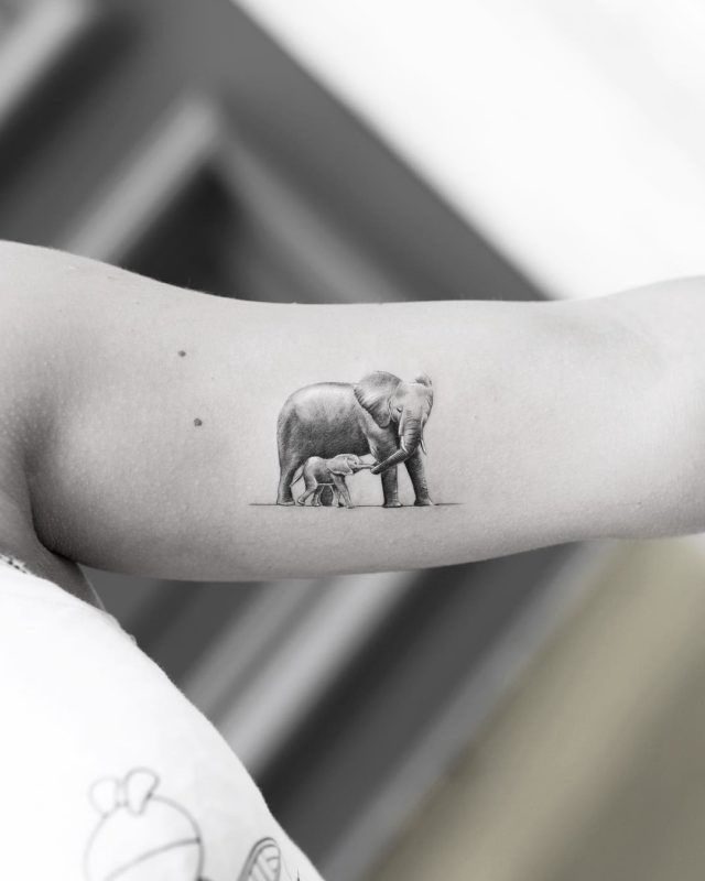 Elefant mit Cub Tattoo - Kleines Tattoo Blog