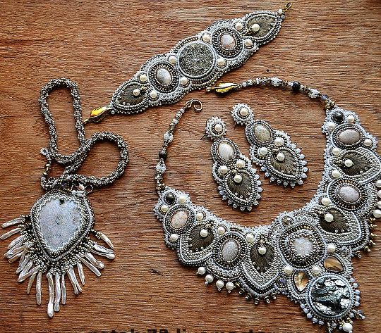 Beautiful embroidered jewelry by Nataly Uhrin (part 1)