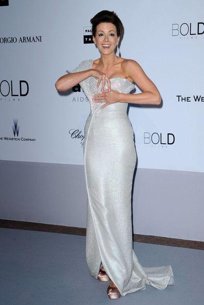 Wardrobe malfunction - the lost earring - Cannes 2010